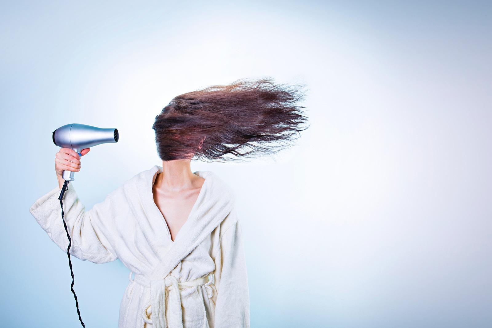 Come bisogna lavare i capelli evitando errori